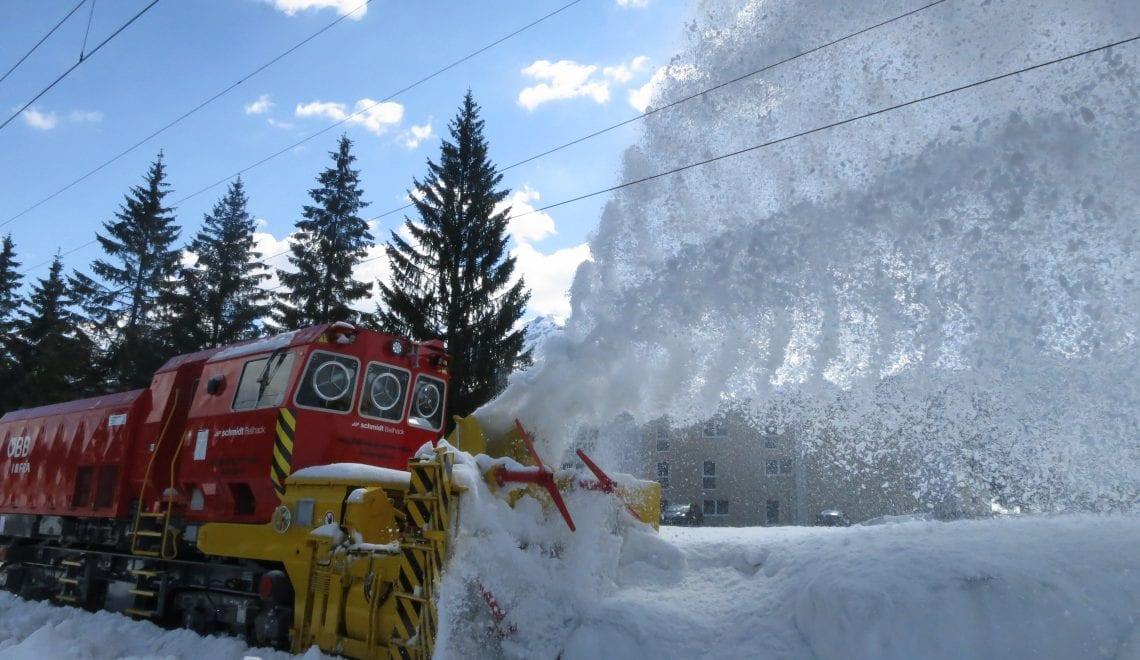 Steirisches Know-how für starke Schneeschleuder auf Schienen